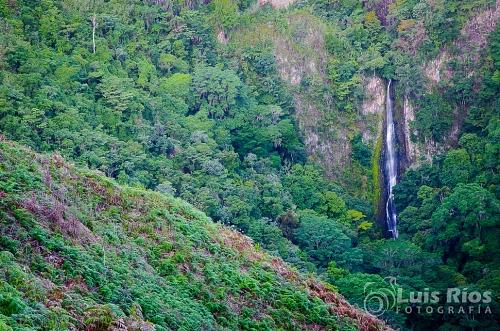 Cascada de la Tacarigua - Sabana de Piedra, Caripe Edo. Monagas-1.jpg